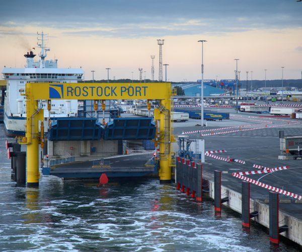 Rostock Warnemünde - shutterstock